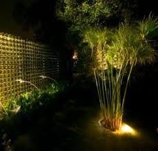 resultado de imagen para iluminacion de jardines