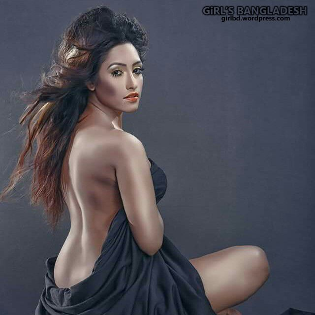 Bangladeshi Sexy Hot Boosy Real Life Girl Model Actress Jacqueline Mithila