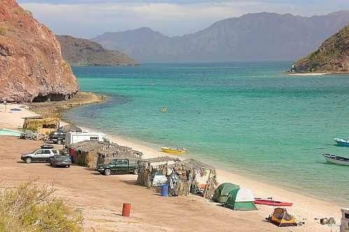 Baja Watersports Gobajaca The Protected Waters Of Playa Escondida On Bahia Concepcion In Baja California Sur Are Popular For K