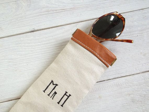 Personalized Womens Wallet Clutch wStrap Monogrammed Christmas Birthday Bridesmaids Gift Mother/'s MS180 Valentine/'s iPhone