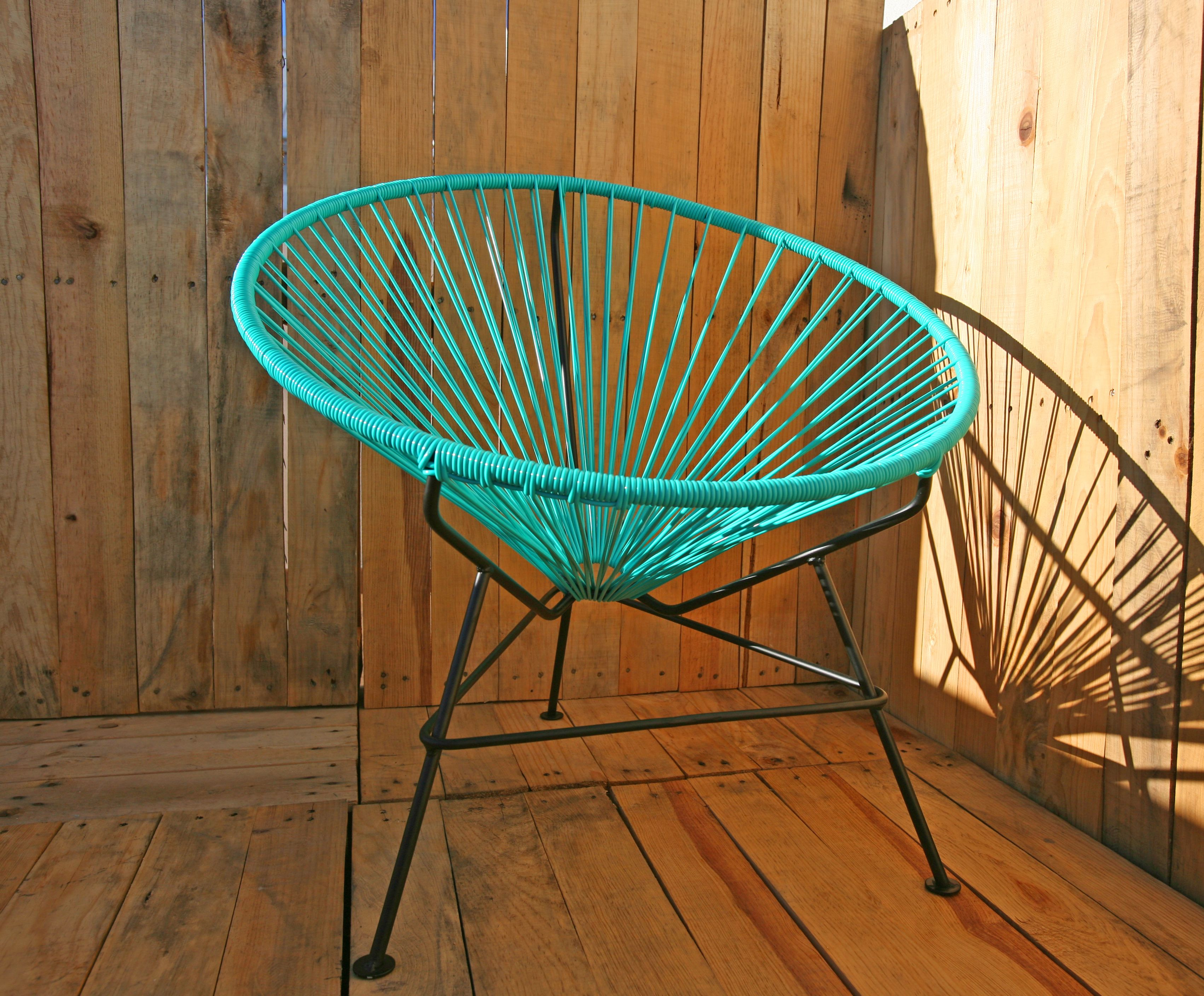Acapulco chair outdoor - The Elegant Sister Of The Infamous Acapulco Chair La Silla Condesa Named After The