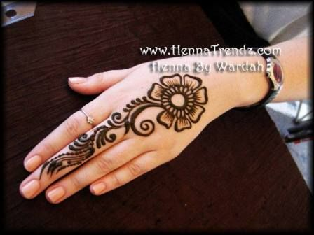 Easy Mehndi Designs Hands : Simple henna designs tatoo pinterest