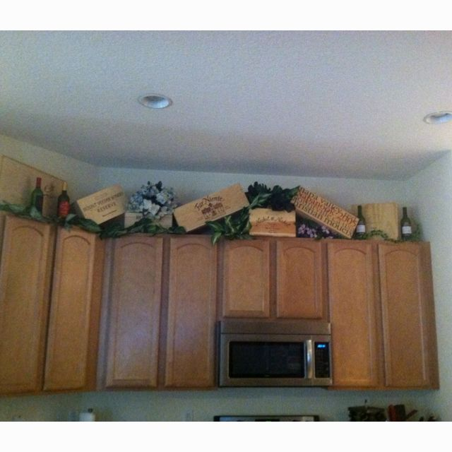 Plants Above Kitchen Cabinets: Wine Boxes As Kitchen Decor! I Could Do This Above The