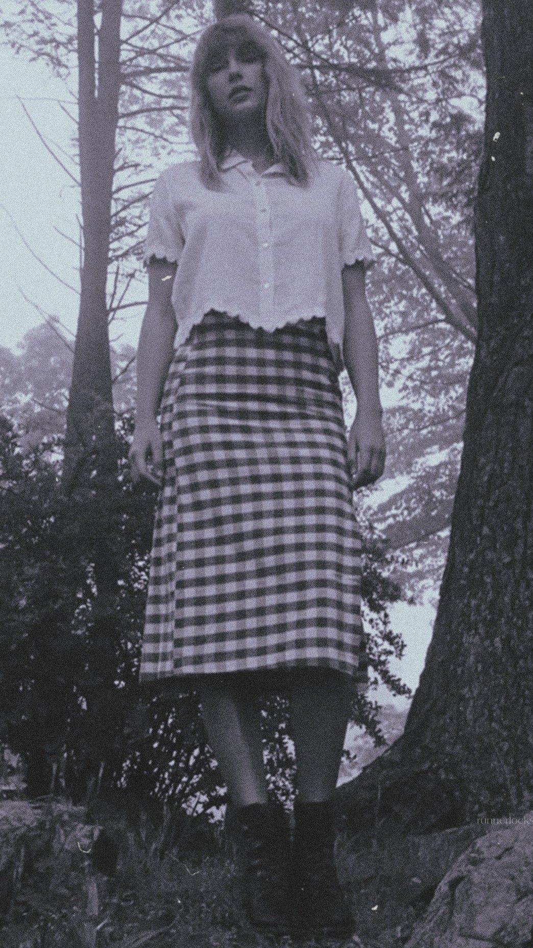 alex ) — Taylor Swift folklore lockscreen in 2020