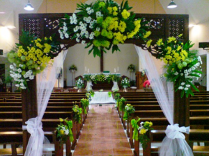 Dekorasi Bunga Untuk Pernikahan Di Gereja -  https   www.tokobungakarangan.com 9e2a5a6106