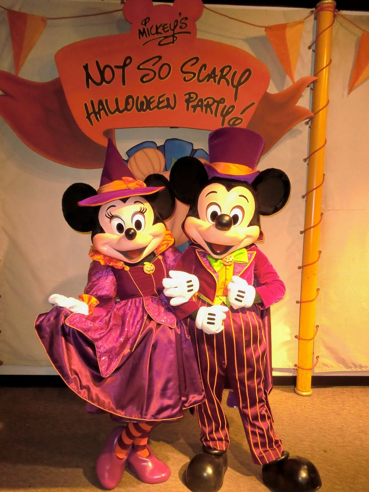 Halloween Mickey And Minnie At Mickeys Not So Scary Halloween Party Walt