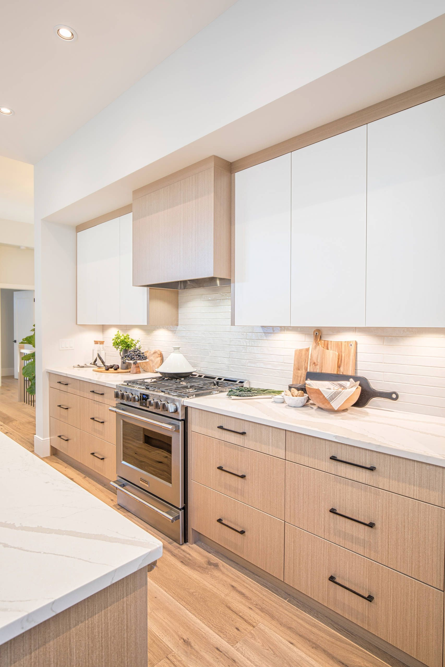 Houzz Rg Design Vancouver Home White Oak Kitchen Flat Panel Cabinets Modern Kitchen Cabinets