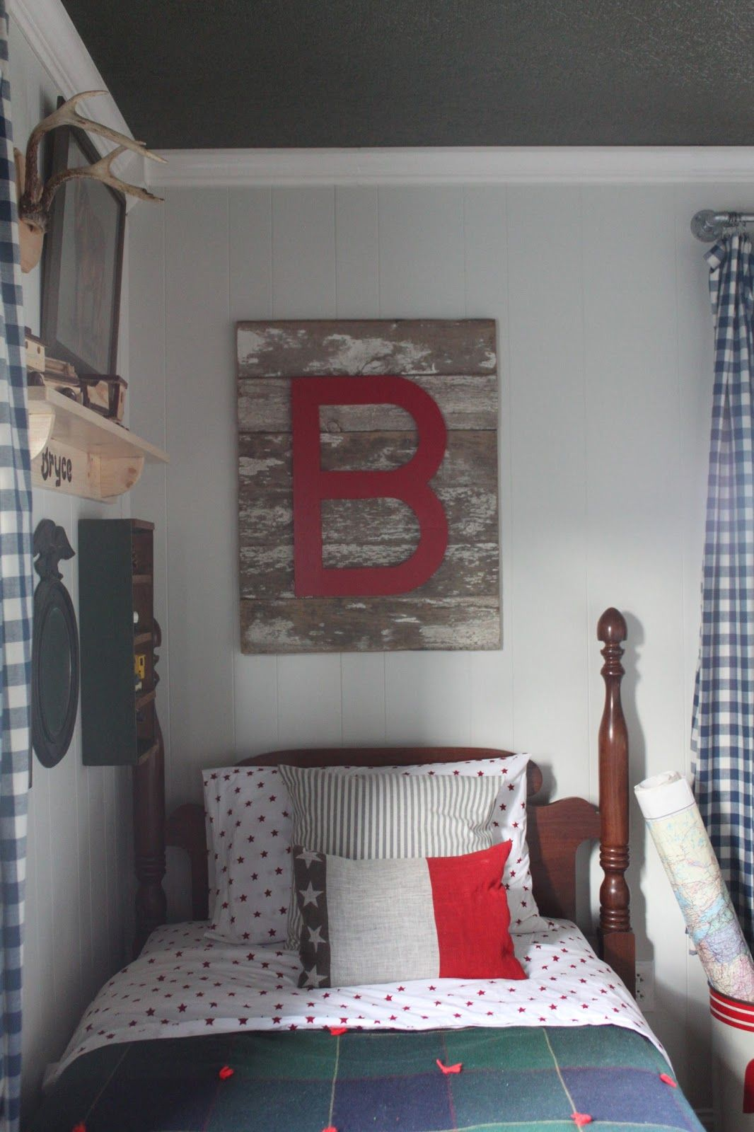 awesome Vintage Boy Bedroom Part - 1: Cozy Vintage Boys Room that is perfect for you little man! Love the  initials above the bed. Lots of other great decor detail!
