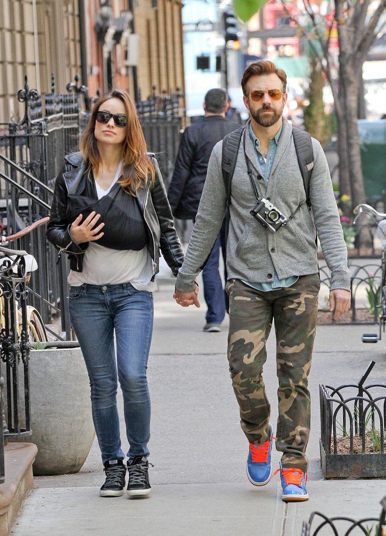 Olivia Wilde Jason Sudeikis Strolling With Their Son Otis In Nyc Sinema