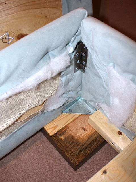 Best Diy Upholstered Bed Tutorial I Ve Found Especially Because