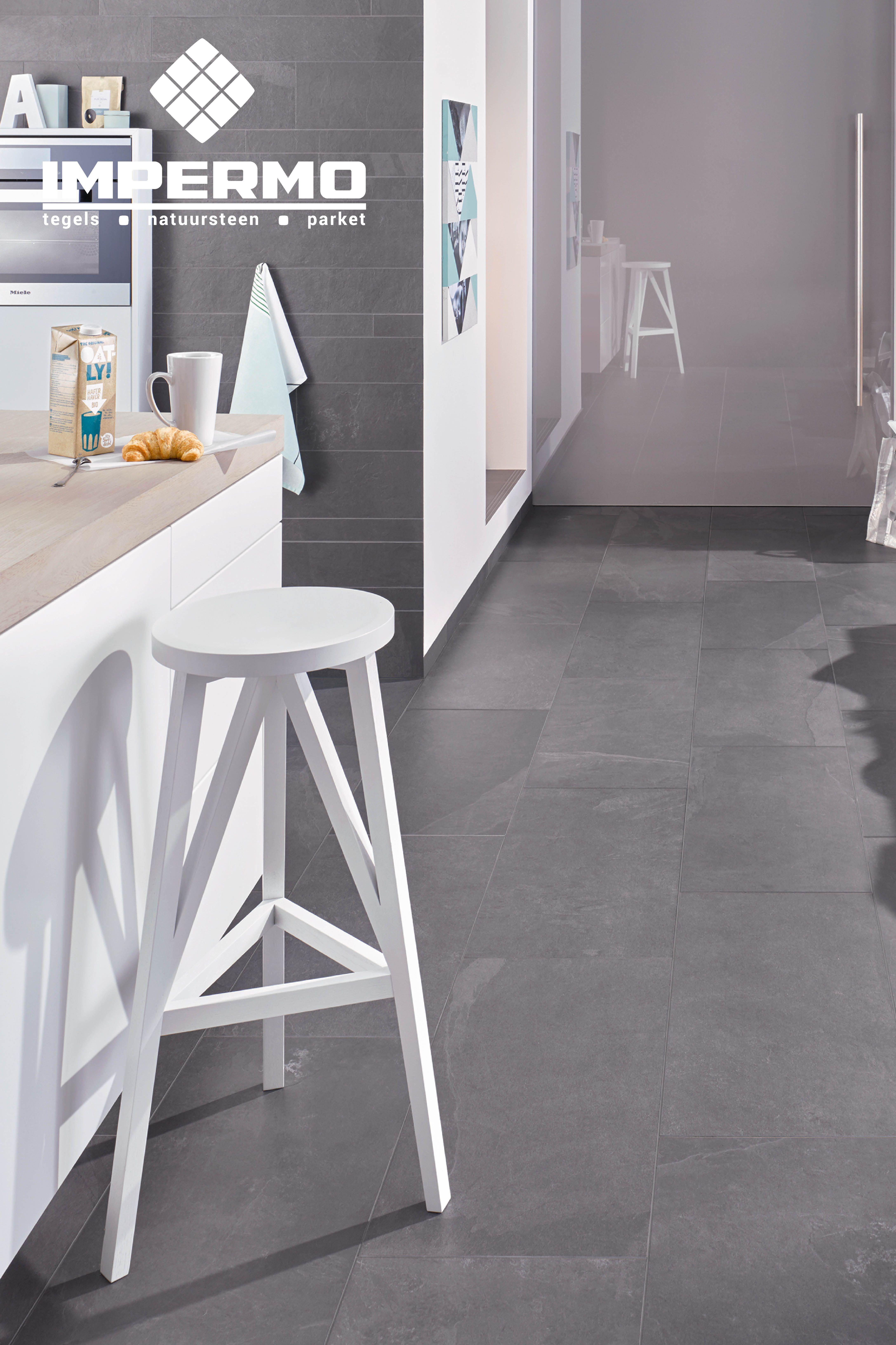Volkeramische Vloertegel Imitatie Leisteen In Een Keuken Through Body Ceramic Floor Tile Imitation Black Slate Vloertegels Keramische Vloertegels Tegels