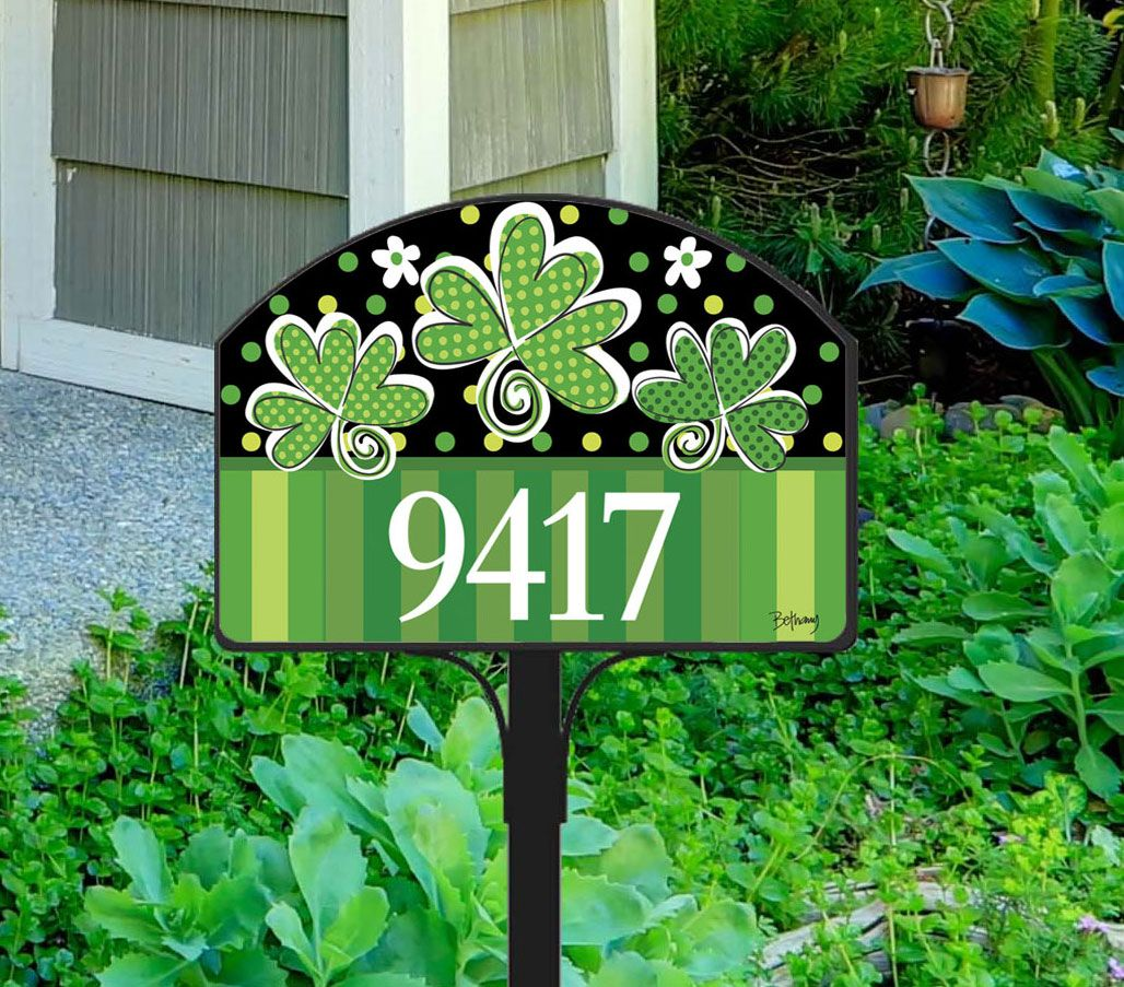 St. Patrick\'s Day address sign adds eye-catching color to your yard ...