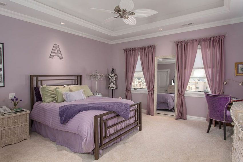 25 Gorgeous Purple Bedroom Ideas | Beige carpet, White tray and Tray ...