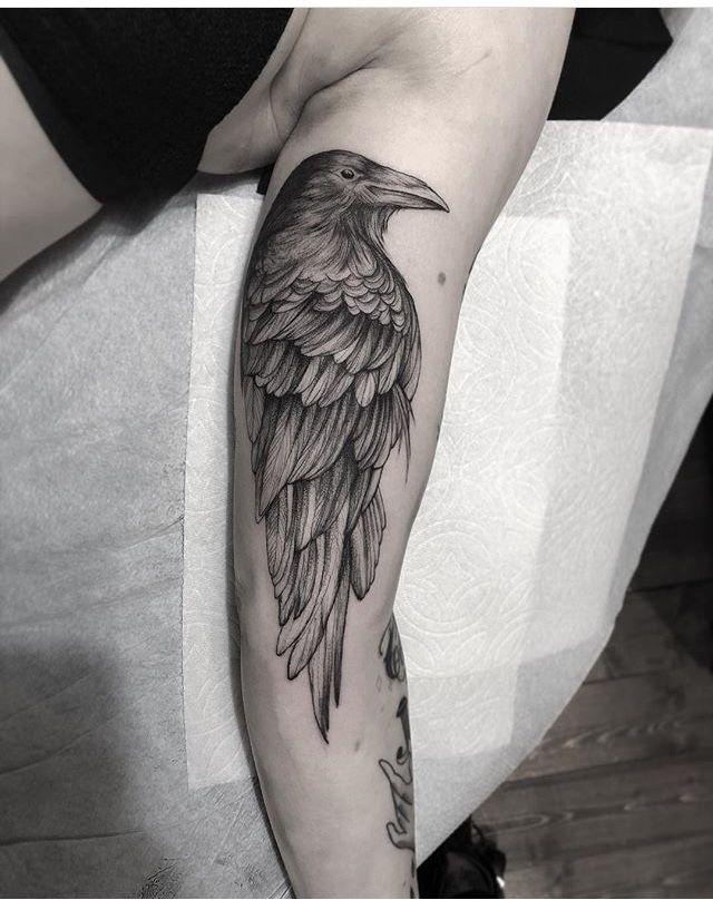 Raven Tattoo Credit Instagram Raven Tattoo Black Crow Tattoos Crow Tattoo