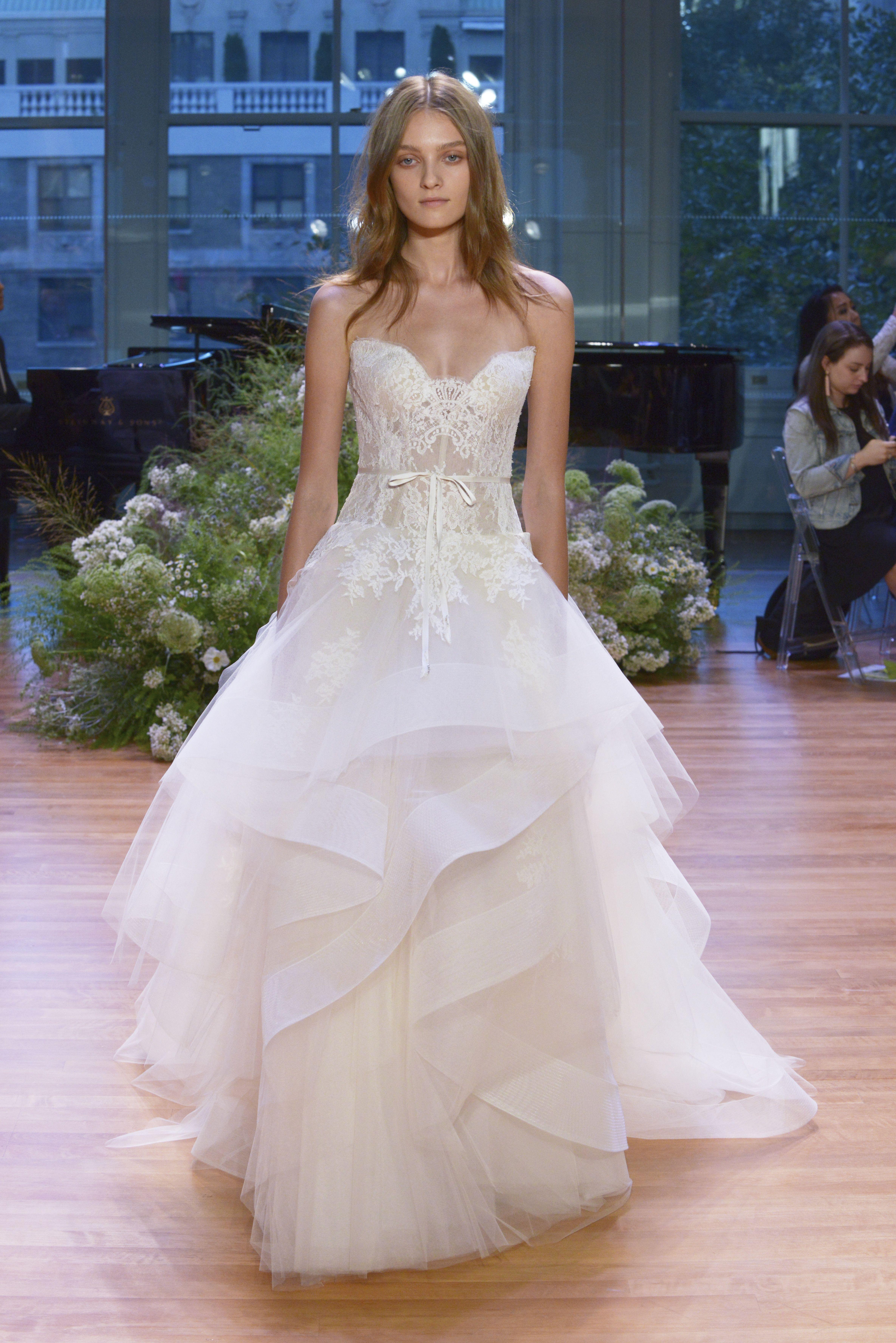 Monique lhuillier bridal week fall 2017 vestidos de noiva vestido monique lhuillier bridal week fall 2017 junglespirit Images