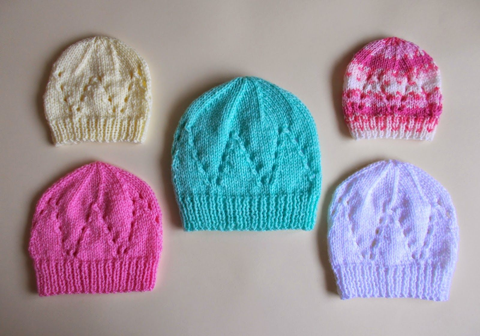 4c87f55e marianna's lazy daisy days: Matching Hat for all-in-one baby top ...