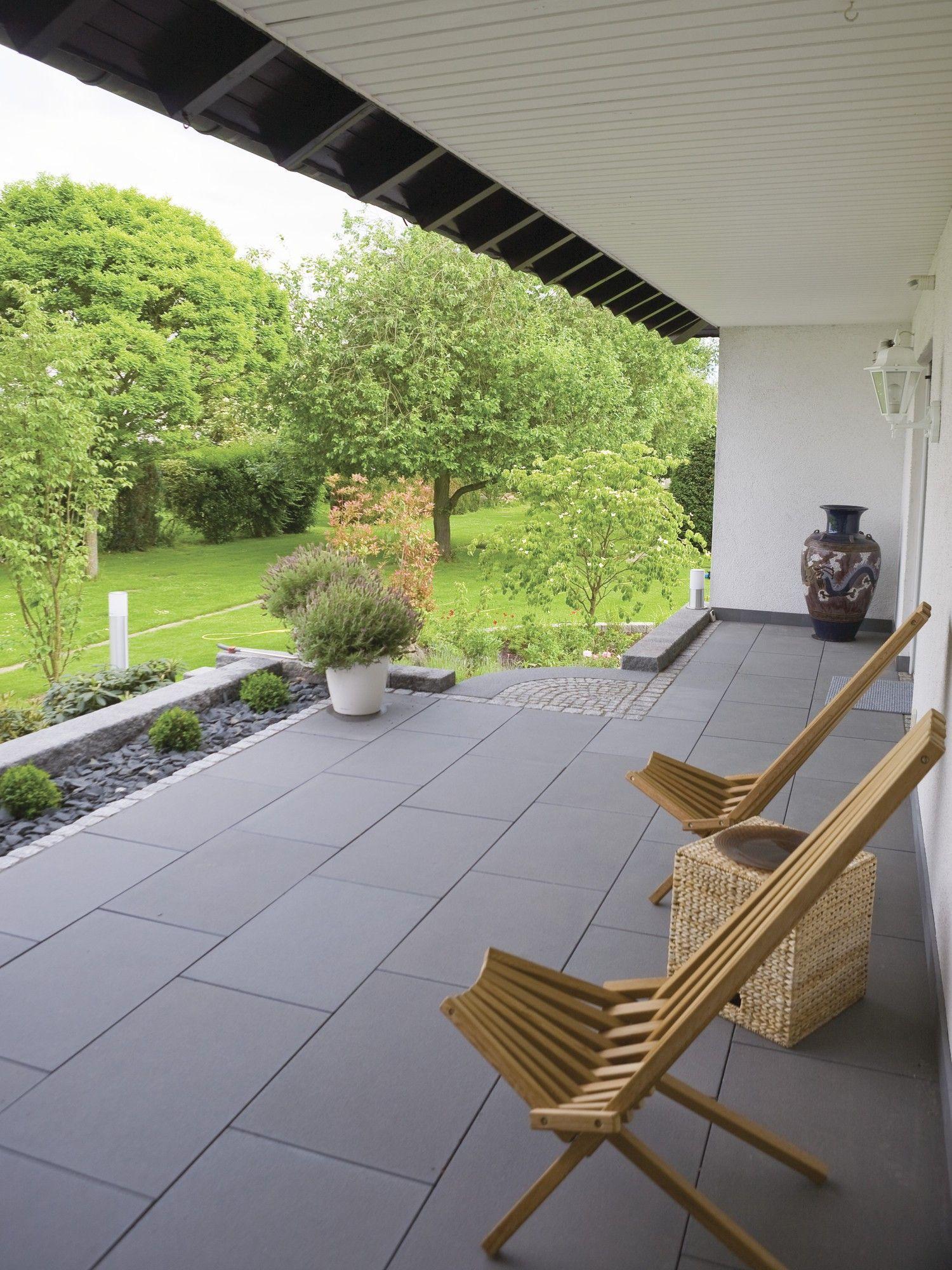Terrassenplatten Mit Teflon Impragnierung Rsf 1 Von Rinn Betonsteine Und Natursteine Mit Bildern Garten Garten Terrasse Terrassenplatten