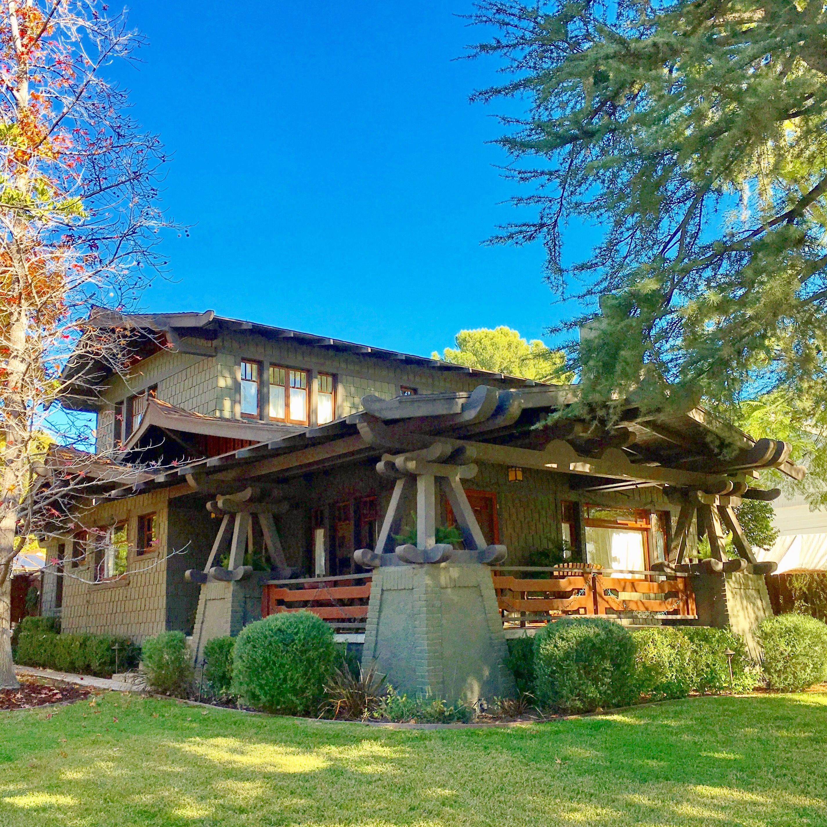 Arts and crafts home pasadena california home decor diy for Pasadena craftsman homes