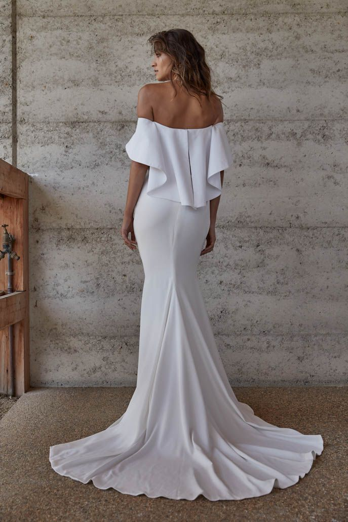 Lotta | Reign, Centre and Bridal gowns