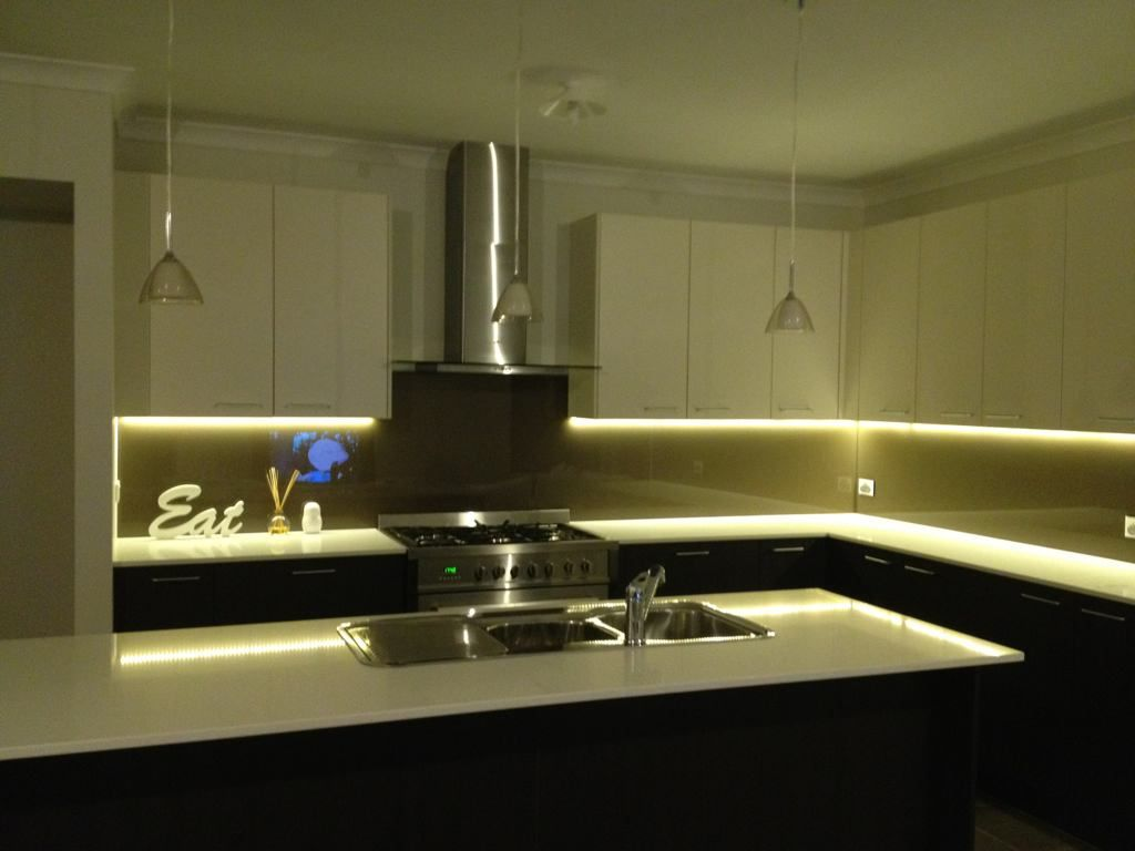 led kitchen lighting. 79db1954 71d7 53cd How To Choose Between LED Strip Lights And Puck Led Kitchen Lighting O