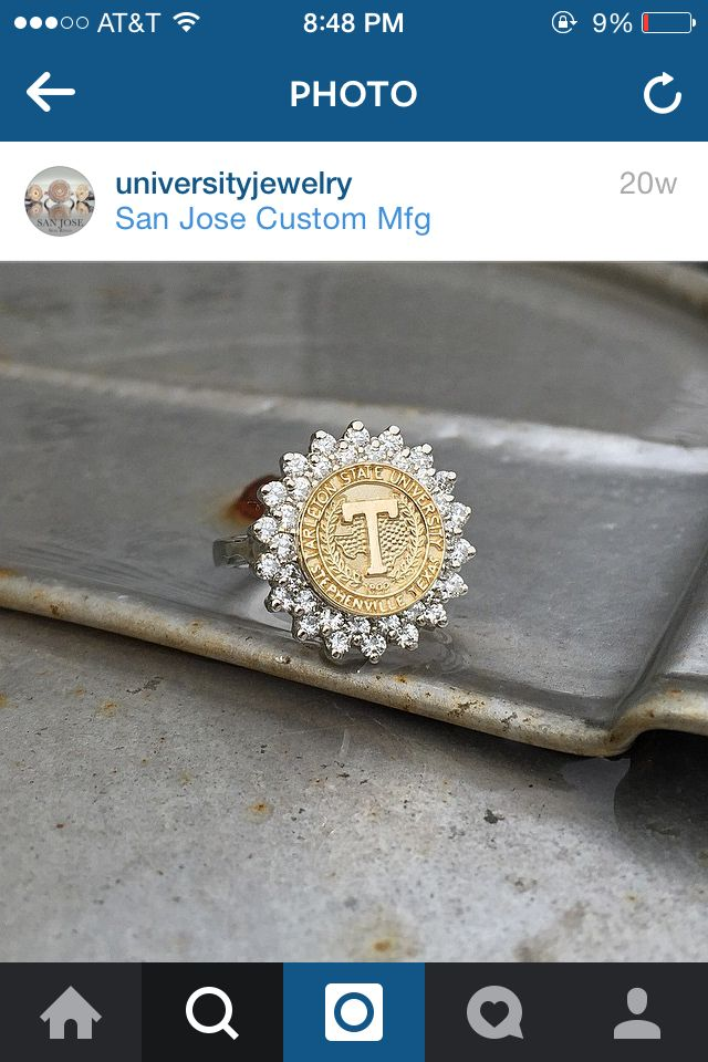 love this college ring!