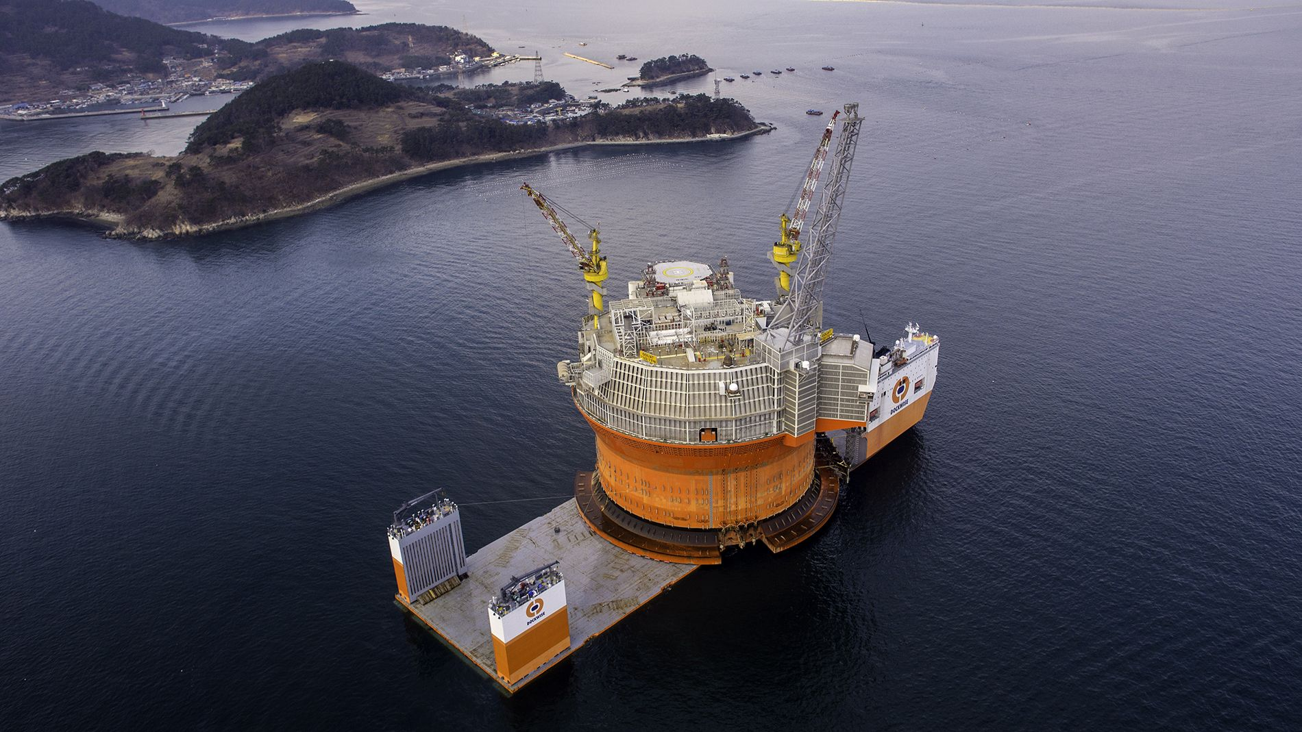 Here S The Largest Oil Rig Ever On Top Of The Largest Transport Ship Oil Rig Oil Platform Drilling Rig