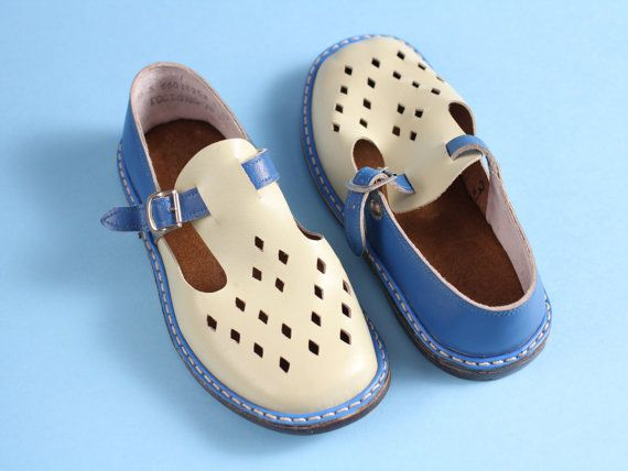 b969ea02e5a97 size 12,5 Soviet children sandals 70s – vintage white blue sandals ...