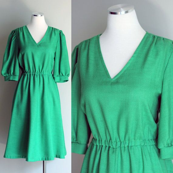 Vintage 1970s Kelly Green Linen Dress  by FieryFinishVintage