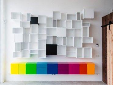 Geschlossene Bücherregale hängende wandregalkombination aus weißen offenen und geschlossenen