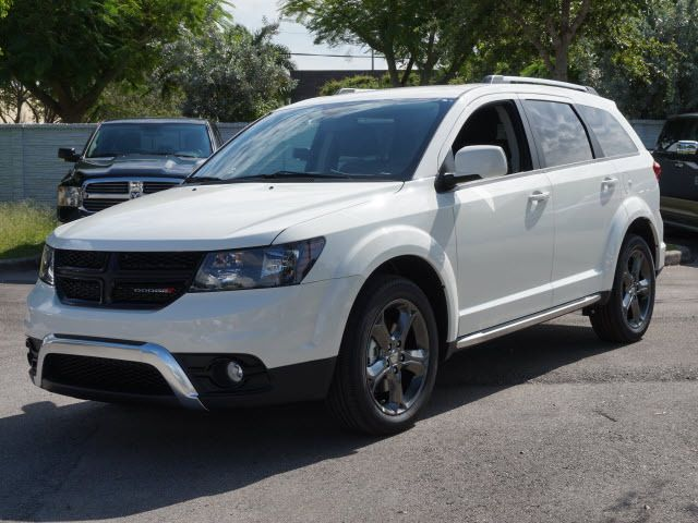 744 New Cdjr Cars Suvs In Stock Com Imagens Carros