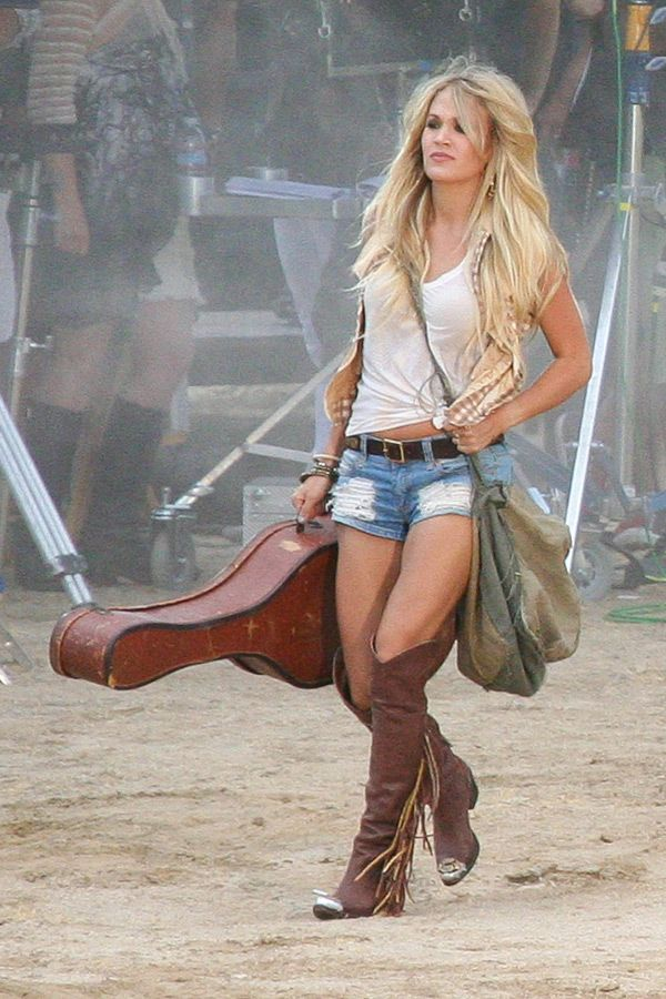 Carrie Underwood Flaunts Sexy Post-Baby Body In New Music ...