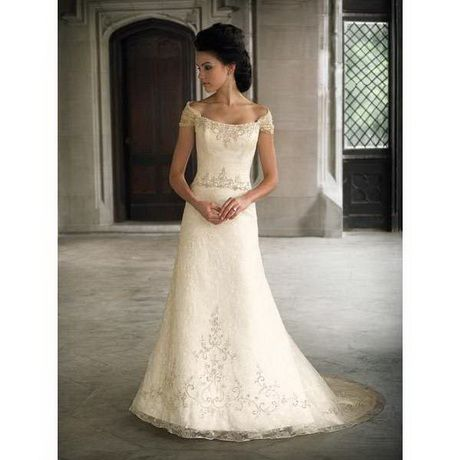 d4b359a805 Wedding dresses for short women