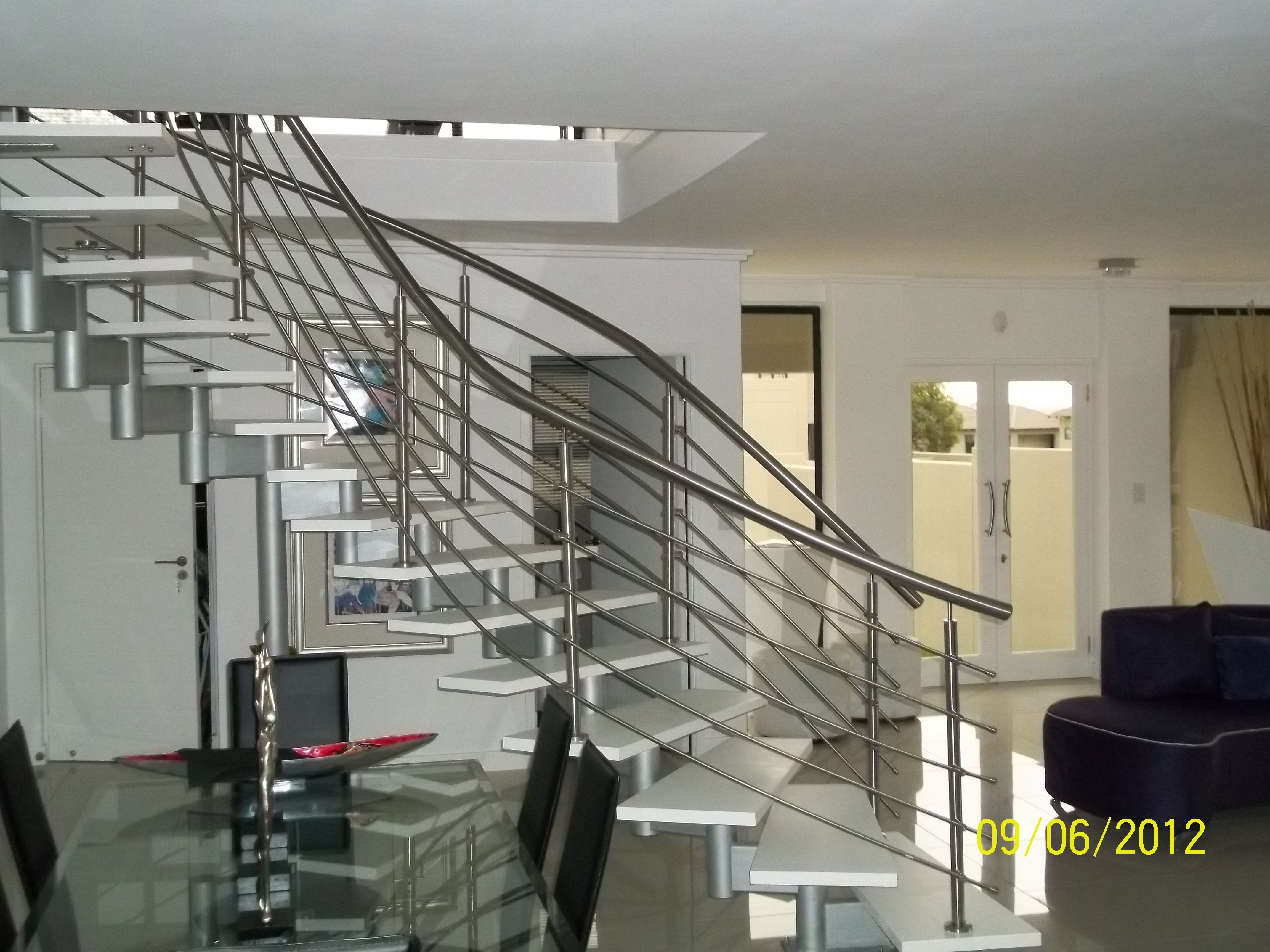 Best Modern Floating Curve Steel And Timber Modular Staircase 400 x 300