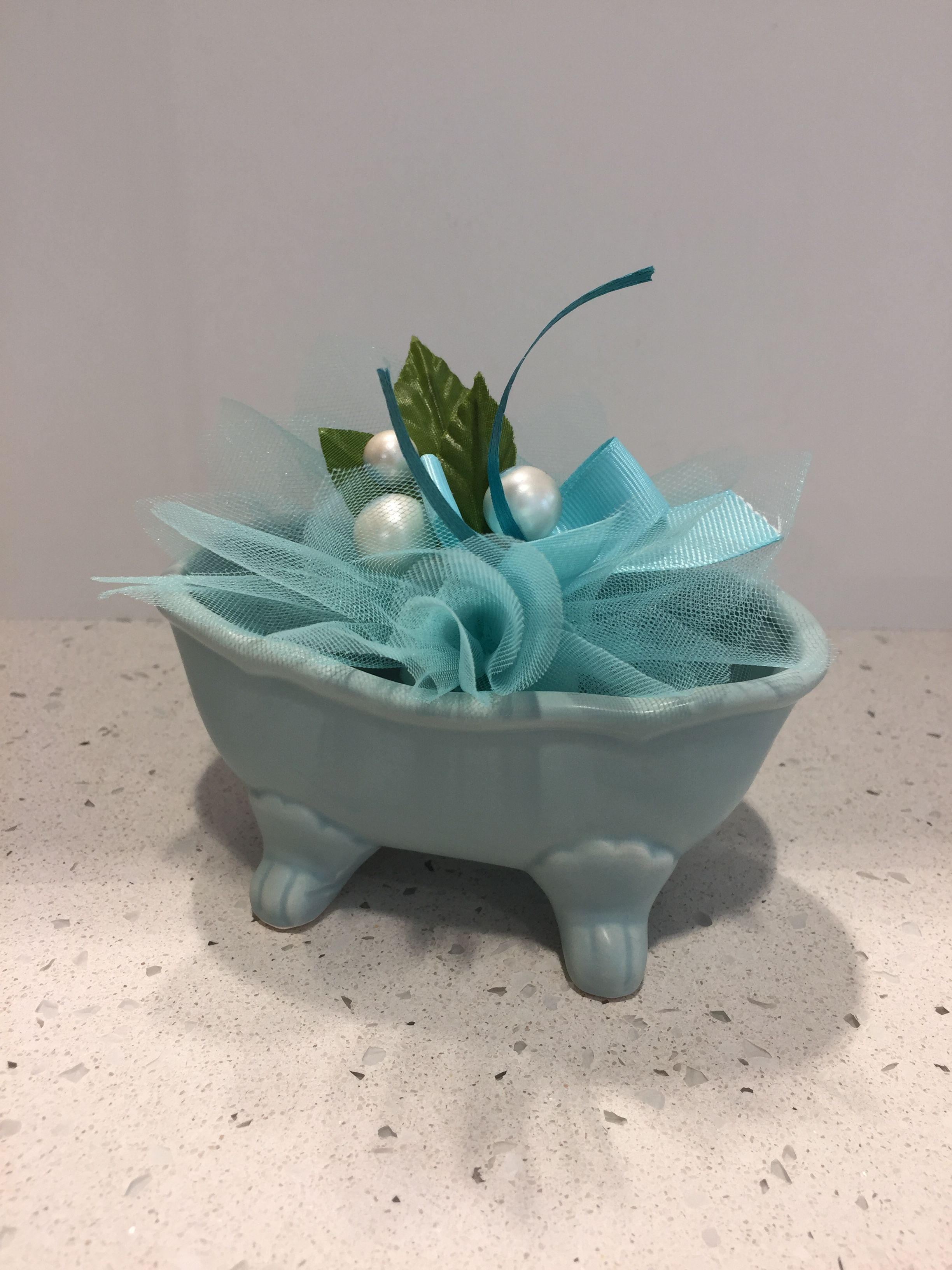 Vasca Da Bagno Azzurra.Vasca Da Bagno In Porcellana Azzurra Con Confezione Di Confetti In