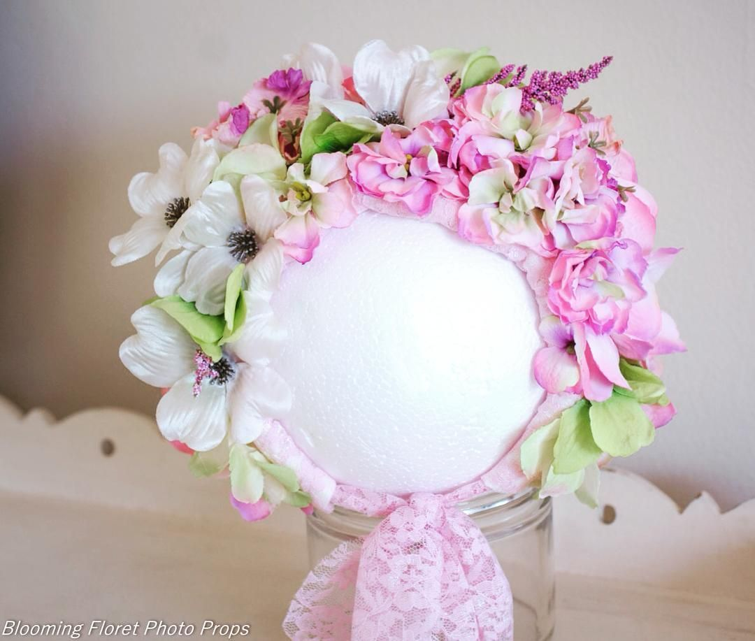 Flower bonnet RTS #handmadewithlove #handmadeaccessory #handmade #etsyseller #etsyshop #flowerbonnet #photoprops #photography #photographer #photographyprops #bonnet #bonnetsforsale #babyfashion #cutebabyaccessories  #etsyusa #etsybabyandkids #etsybaby #etsyphotoprops #etsyphotographyprop
