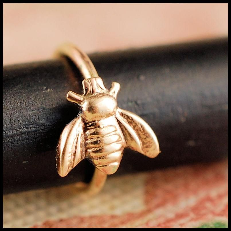 Gold Bee Nose Ring -   - #Bee #CelticTattoos #DragonTattooDesigns #Gold #LowerBackTattoos #Nose #NoseRings #Ring