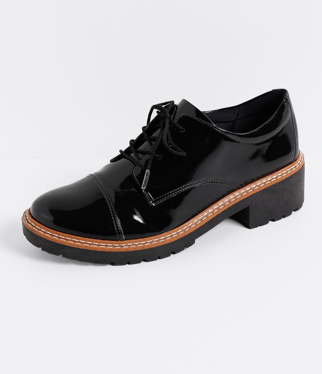 dfd27670f5 Sapato Feminino Modelo  Oxford Em verniz Sola tratorada de 4cm Marca   Satinato Material  Sintético COLEÇÃO VERÃO 2017.