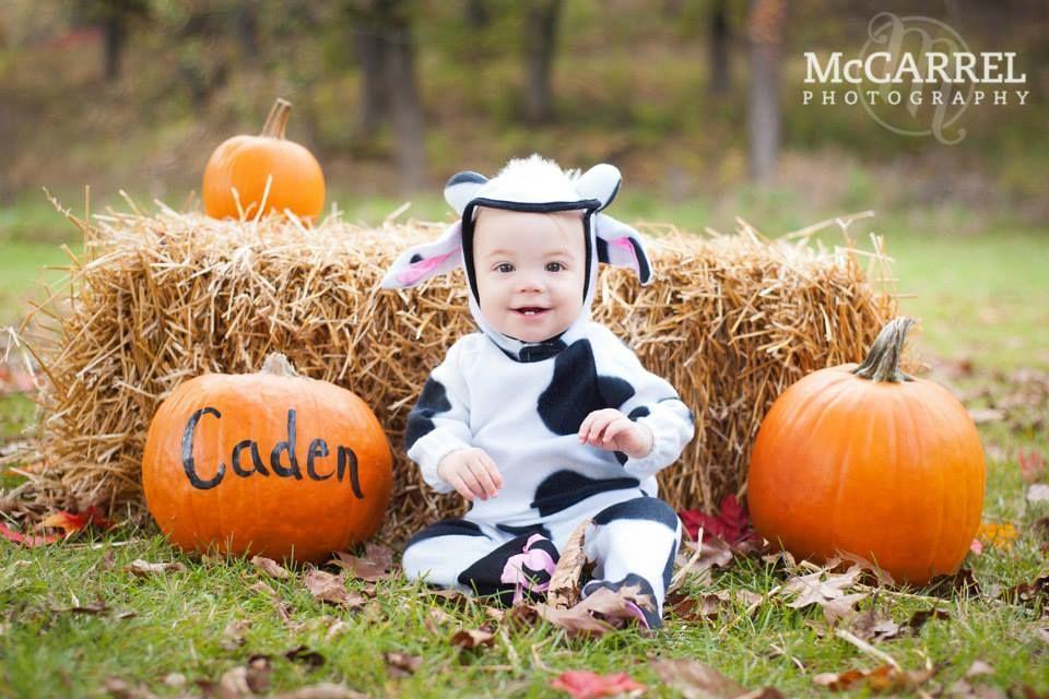Caden's Halloween mini shoot! Halloween photoshoot, Baby