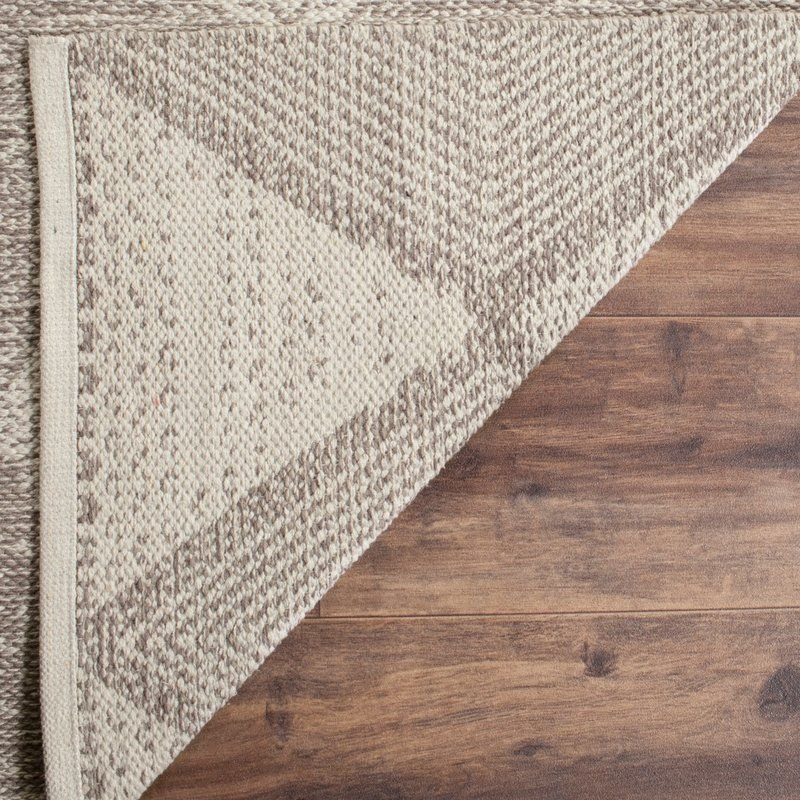 The Oxbow Collection Captures The Essence Of Casual Designer Styling In Flat Weave Rugs That Complement Homes From Coa Area Rugs Grey Area Rug Square Area Rugs