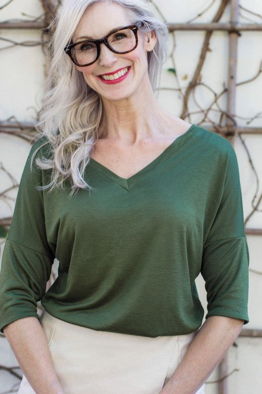 How to sew a v-neck t-shirt | Seamwork Magazine