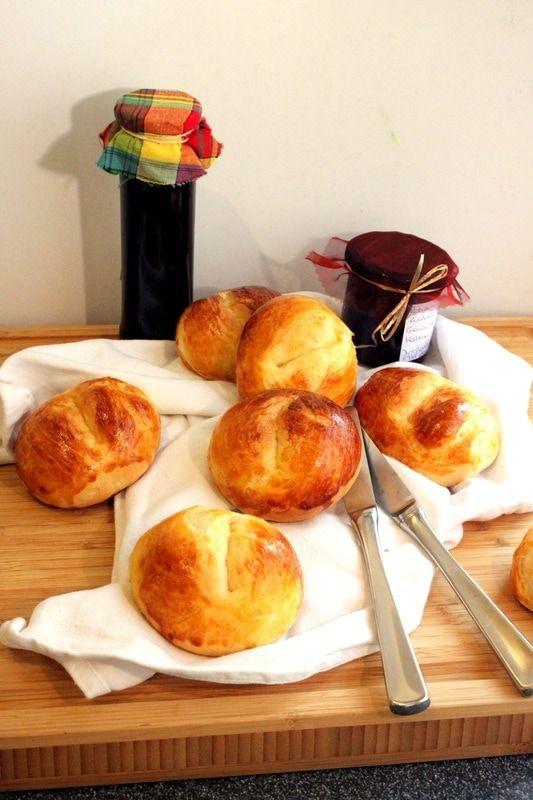 Traditional Swiss Weggli, Breakfast rolls, so yummy ...