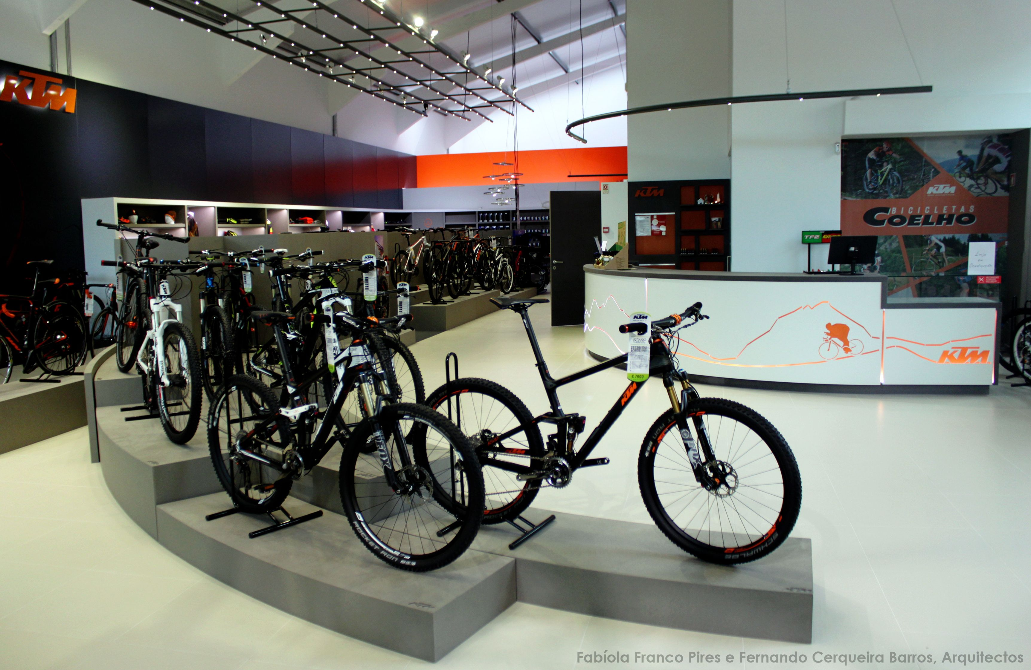 Ktm Megaconcept Store Porto Projecto Fabiola Franco Pires E