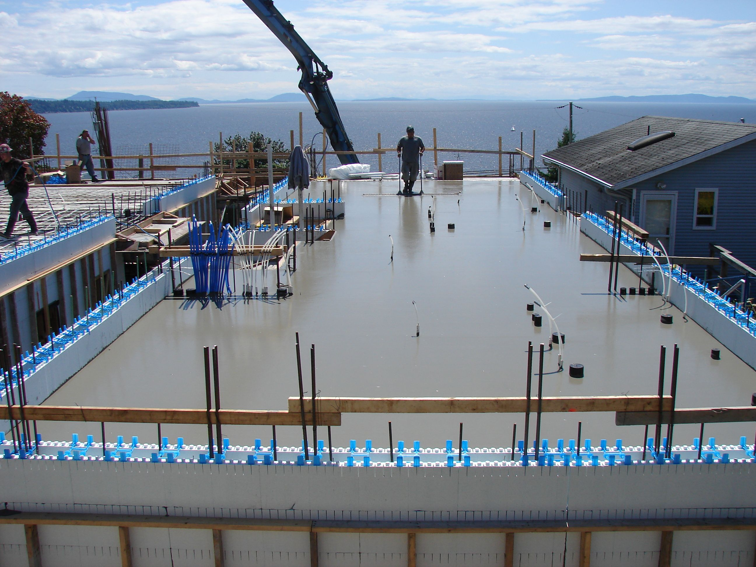 Self consolidating concrete icf