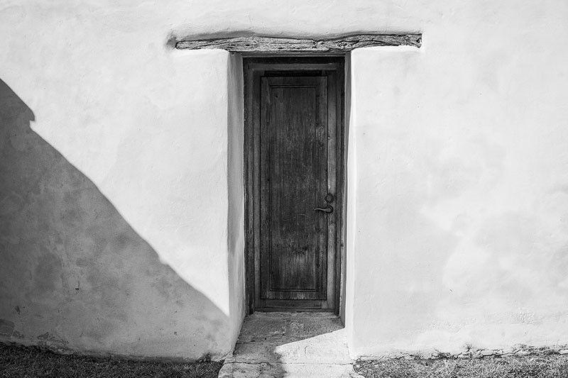 Door In A Thick Adobe Wall At Mission San Juan San Antonio Dsc00672 Mission San Juan Capistrano San Juan San Antonio
