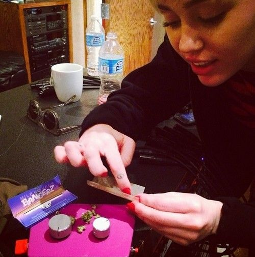 Image result for mileycyrus smoke weed blogspot.com
