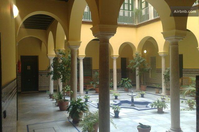 APTO.CASA PALACIOCASCO HISTÓRICO in Sevilla Patios