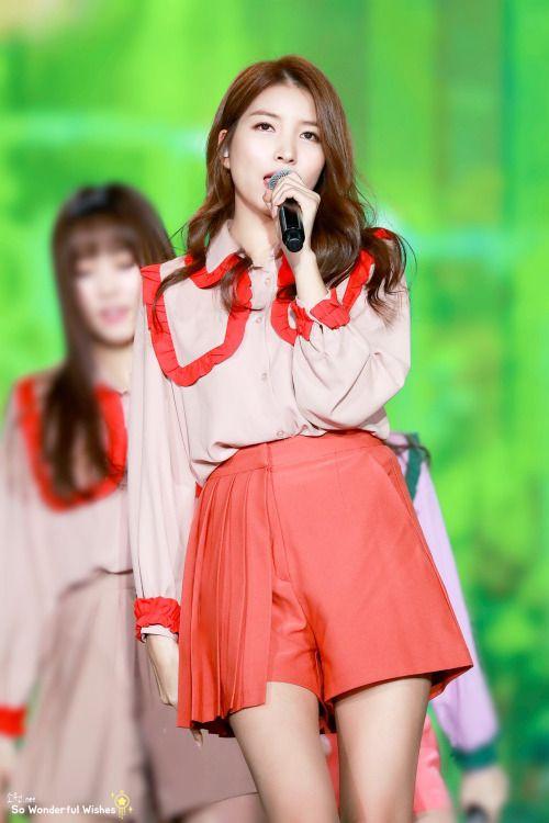 Sowon (소원) GFriend
