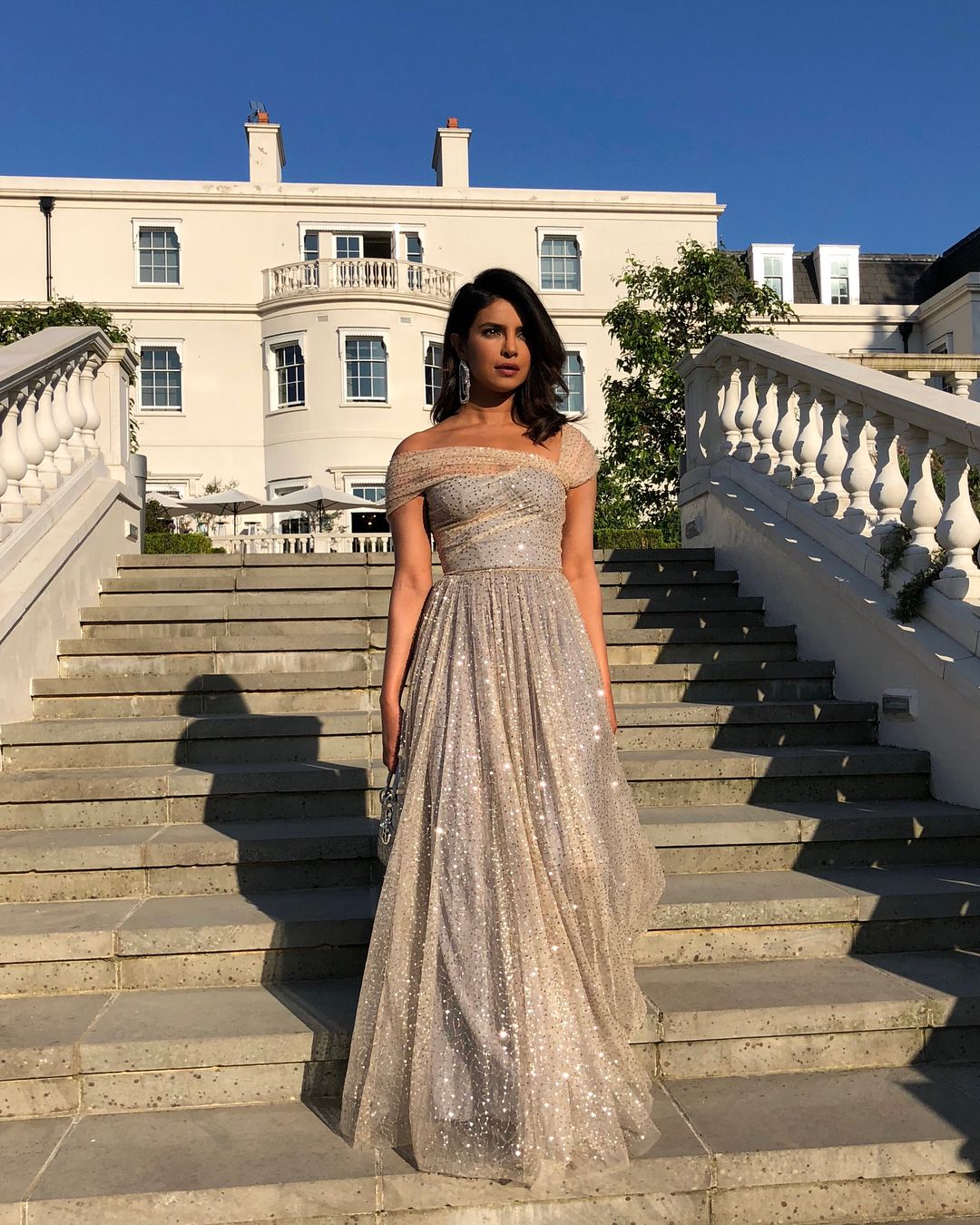 Priyanka Chopra S Light Lavender Dress And Hat For Prince Harry And Meghan Markle S Royal Wedd Celebrity Cocktail Dress Priyanka Chopra Dress Prom Dresses Long