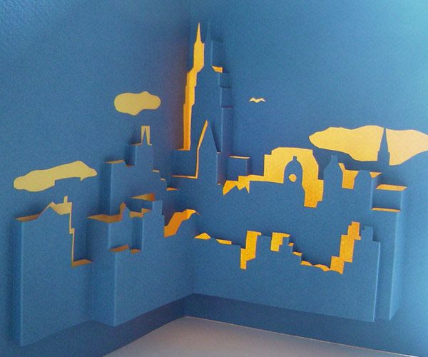 Out of a single blank sheet of letter-sized paper the New York skyline, with the Empire State Building in the center, will emerge. This pop-up requires patience and experience both to cut and fold. Click here for general pop-up card instructions, and buy the template for $1.99.