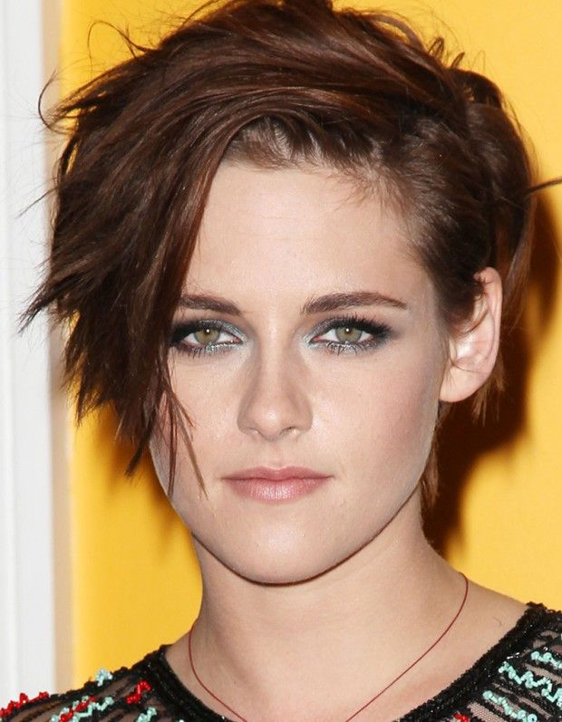 nouvelle coupe kristen stewart sort de sa crise. Black Bedroom Furniture Sets. Home Design Ideas